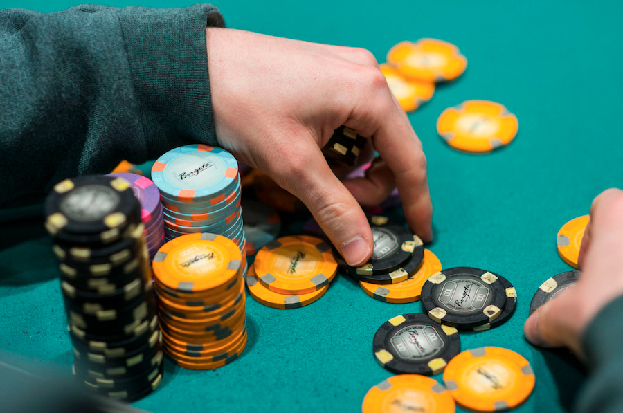 The Specialists And Also Disadvantages Of Gambling